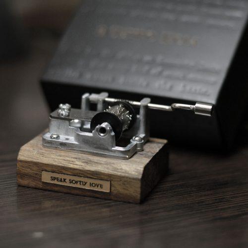 جعبه موزیکال هندلی