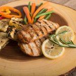 پنج علامت که نشان میدهد به اندازه کافی پروتئین مصرف نمیکیند